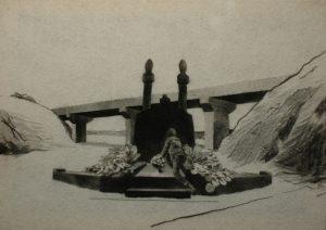 Gilo Týna na hrobě, 2014, uhel na filcu, 50×70,5cm